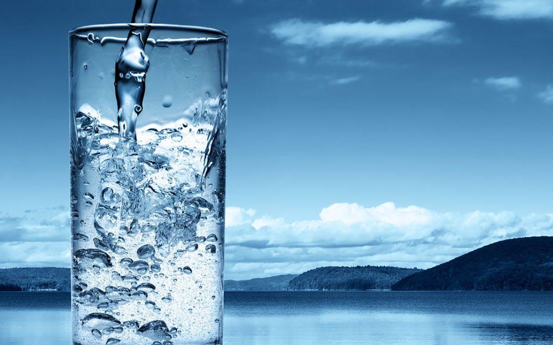El Parlamento Europeo promueve planes para mejorar la calidad del agua del grifo y promover su uso.